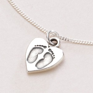 footprints-on-your-heart-necklace-139-p