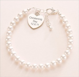 pearl-bracelet-with-engraved-heart-314-p